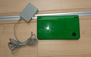 DSi ll 本体と充電器のセット