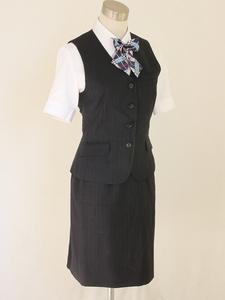 15号 Amatir 紺 ストライプ 、事務 中古◆ OL制服 / 事務服◆ ベスト、スカートの上下セット、中古ブラウス、新品リボンのオマケ付