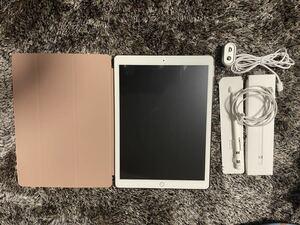 再出品 iPad Pro 12.9インチ 第2世代 64GB Wi-Fi (セルラー?)モデル A1617 バッテリー100% apple pencil 使用頻度少など おまけあり