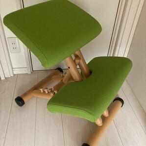 ハンドメイドカバー付き ヴァリエール バランスチェア マルチ 姿勢矯正 ライムグリーン ストッケ 腰痛 STOKKE 学習椅子