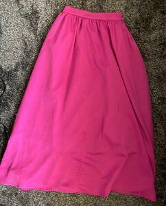 ピンクフレアーロングスカート