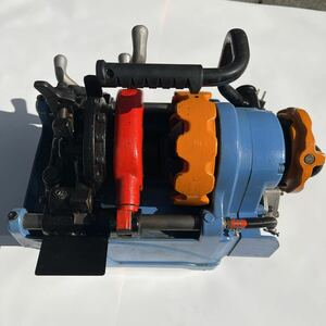 T10032 松坂商事株式会社 MCC パイプマシンネジプロ25 PMNA025 ねじ切り機 オートダイヘッド 小型軽量 ワンピースボディ ハイパワーモータ