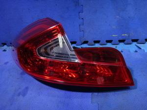 ルノー ウインド ENK4M 等 左 リア テール レンズ ライト ランプ 品番 265550022R [5466]