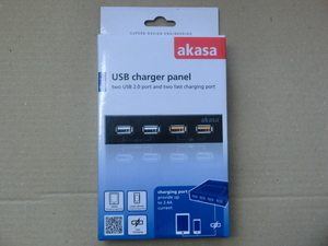 3.5インチベイ USB急速充電ポート*2 & USB2.0*2 AKASA/AK-ICR-24