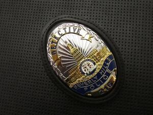 新品 BHPD ポリスバッジ /24/ ホルダー組込みセット /ビバリーヒルズ市警察 / DETECTIVE