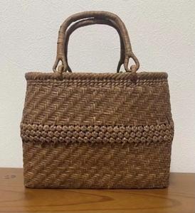 新入荷 未使用品 長野産 極細3ミリ蔓 職人手編み網代編み中花編み 山葡萄籠バッグ