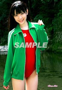 ●末永みゆ 正規L判ロゴ入り写真 公式ショップ品 (競泳水着A6 arena 赤色) / アイドル生写真