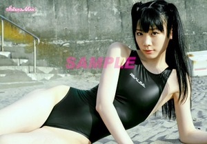 ◆末永みゆ 正規L判写真 ロゴ入り (黒競泳水着 9) 公式ショップ品 /生写真 アイドル