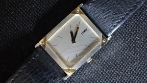 ★YVES SAINT LAURENT【イヴ・サンローラン】メンズ クォーツ腕時計 稼働品★