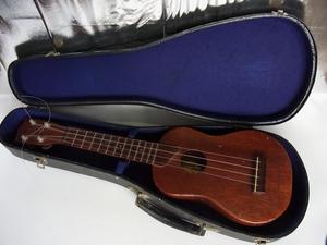 ヴィンテージ ?★カマカ ウクレレ kamaka ukulele Hawaiian Handmade k keiki ゴールドラベル★おまけでハードケース付