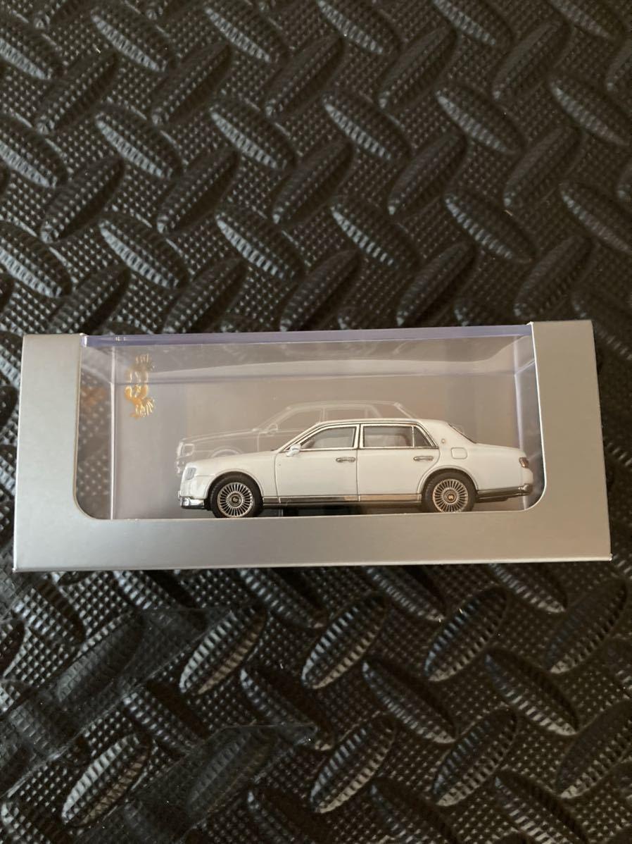 DCM トヨタ センチュリー ミニカー