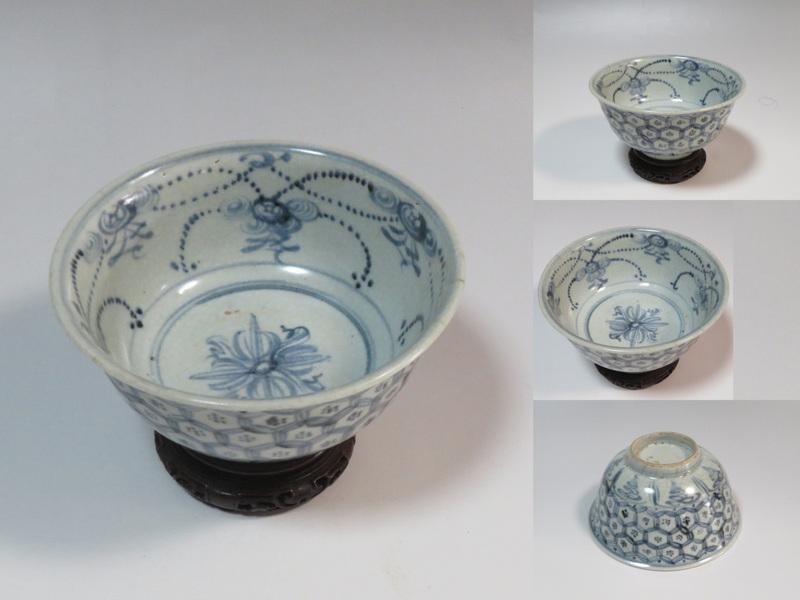 明染付 亀甲紋 碗【台付】中国古玩 q6