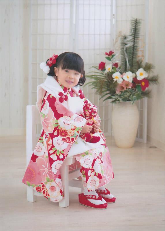 七五三 着物 3歳 女の子 被布セット 赤地着物 被布白刺繍使いフルセット