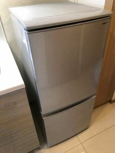SHARP シャープ 冷蔵庫 冷凍庫 2018年 137L 家電 一人暮らし