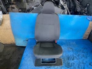 2015г.  200     Hiace /HIACE (KDH201V) DX  место водителя / водительское сиденье   бывший в употреблении товар   Блиц-цена  0169686 211014 TK  завод  на складе