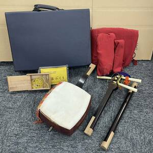 三味線 三線 楽器 弦楽器 和楽器 全長約100cm 付属品 ハードケース付き 子持綾杉胴 現状品 ジャンク