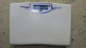 FG927 【動作可能】エー・アンド・デイ UC-322 50g表示 体重計 毎日はかりたくなる 肥満・やせの基準 ダイエットサポート