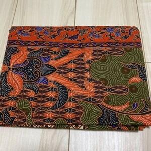 インドネシア バティック オレンジ 抹茶色 紫色 伝統柄 生地 巻きスカート