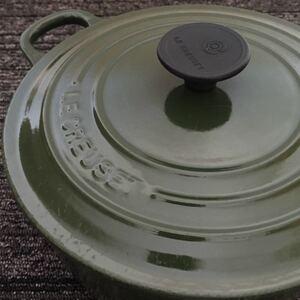 訳あり品LE CREUSET ル・クルーゼ ココットロンド 鋳物ホーロー両手鍋 20cm グリーン系
