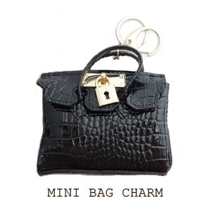 ■MINI BAG CHARM■ミニバッグ型バッグチャーム■ブラック■黒/キーホルダー/ノーブランド/ゴールド/名刺入れ/カードケース/キーリング