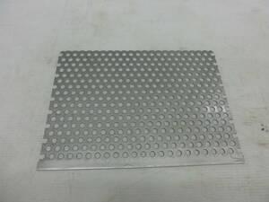 ステンレス 切り板 SUS304 パンチング 板厚1.5mm 255mm x 358mm 1枚 B19 切板 切材 溶接材