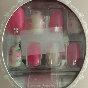 ネイルチップ 付け爪 ネイル 簡単 フェミニン 可愛い 大人 ピンク 花 フラワー 結婚式 ブライダル お呼ばれ パーティ 成人式