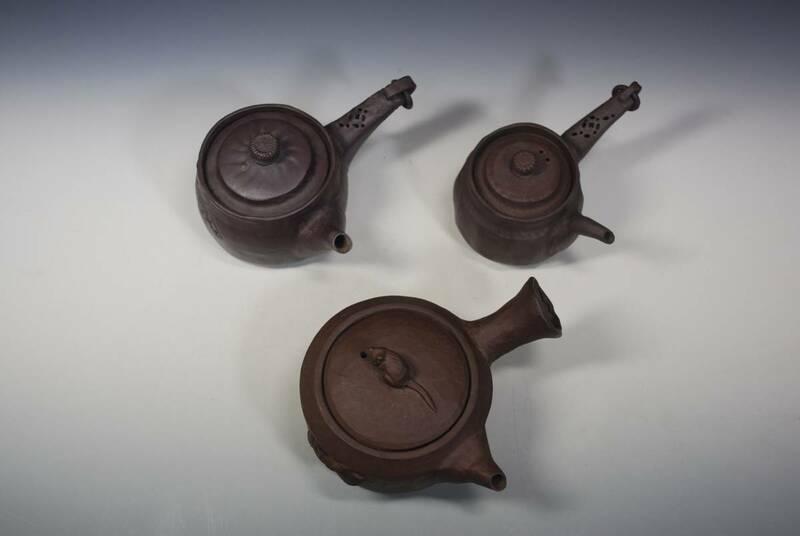 ◆未使用茶器 萬古焼き煎茶器 小振りな急須三個 全てに窯印有り