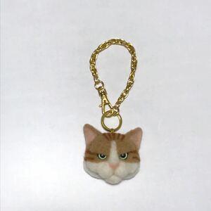 羊毛フェルト 猫バッグチャーム 茶トラ白