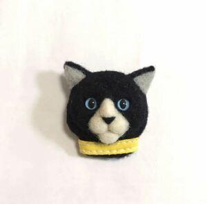 羊毛フェルト 猫ブローチ P5モルガナ風 黒猫