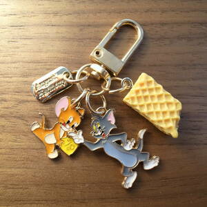 Tom . Jerry 4 ream key holder type A alloy wafers