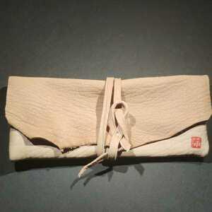 ハンドメイド 本革 肉肉しい厚手タンニンヌメ羊革 ベージュ ソフト メガネケース ペンケース 小物入れ 小物収納 W185xH85mm 蒲印 手縫い
