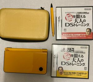 DSiLL 任天堂 Nintendo ニンテンドーDSi LL ケース付き 脳を鍛える大人のシリーズ2本アルコール消毒