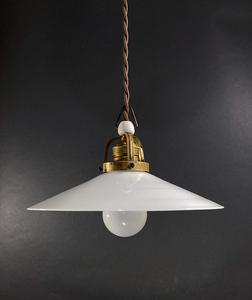 1930's ドイツ アンティーク ミルクガラス ペンダント ライト カントリー ビンテージ ランプ 布巻きコード バウハウス 店舗什器 シャビー