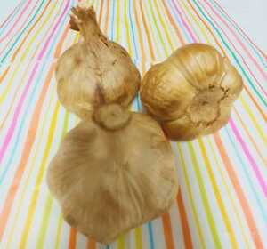 熟成 黒にんにく 青森産 約2玉分10日~14日分  元気の源 健康 自社製造