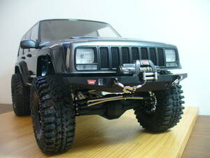 AXIAL SCX10 2000Jeep Cherokee 1/10scale 4WD custom RCクローラー