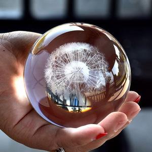 たんぽぽの綿毛を閉じ込めて☆クリスタルボール レーザー彫刻 オブジェ 飾り ガラスボール ギフト 装飾 透明 インスタ映え 球体 アート