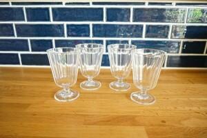 【新品 未使用】足付きデザートグラス デザートカップ  パフェグラス 4個セット