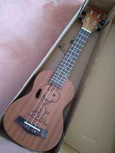 新品未使用 スヌーピー ソプラノウクレレ ローズウッド素材 ukulele 弦楽器