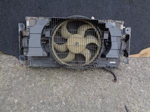 低走行 3万Km未満 H18年 後期 日産 キャラバン E25 CQGE25 VRE25 純正 コンデンサー 電動ファン 動作品 管E1018-2