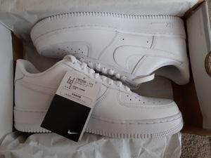 【新品未使用品(送料無料)】Nike Air Force 1 '07 / ナイキ エア フォース 1 '07 CW2288-111 ホワイト 白 27cm シューズ スニーカー