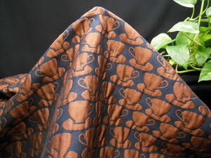 新入荷!掘り出し品!日本製!高級ブランド!エムズグレイシー!なかなか手に入らない!秋~冬用!ジャガードフクレ織り!A157cm巾×2m