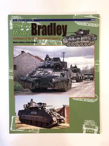洋書 M2A2/M3A2 Bradley Mini Color Series M2 ブラッドレー歩兵戦闘車 コンコルド書籍 アメリカ軍 戦車
