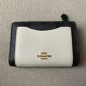 COACH 折り財布