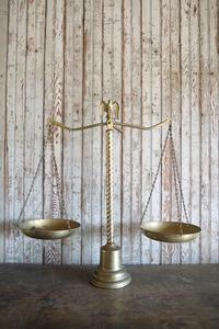 アンティークブラス天秤オブジェ[az6-505]真鍮黄金置物テキサスインテリアビンテージディスプレイUSAコレクタブル量りスケールライブラ重量