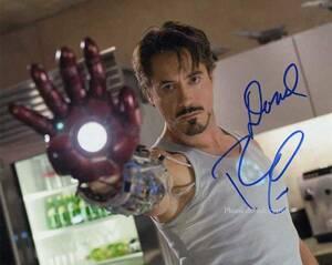 Iron Man アイアンマン ロバート・ダウニー Jr .サイン フォト 他、1枚写真付き