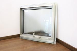 ◆S7716◆YKKap◆窓・サッシ◆すべり出し窓◆フレミング◆ペアガラス◆すりガラス◆施工外し品◆建材