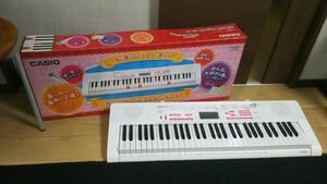 即決!!ほぼ未使用!CASIOカシオ、光ナビゲーション!LK-121型!動作チェック品!電子ピアノ!送料0!!