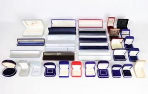 アクセサリー ケース 32点 まとめ リング 指輪 ネックレス ペンダント イヤリング ジュエリー ボックス 空箱 宝石箱 JXCQ90