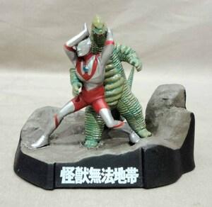 怪獣戯画 ウルトラマン対レッドキング 怪獣無法地帯 ジオラマ 怪獣名鑑
