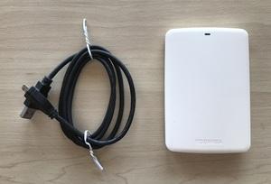 東芝 ポータブルHDD 1TB HD-AB10TW USB 3.0 CANVIO BASICS REGZA BD-HDDレコーダーのデータ移行に TOSHIBA